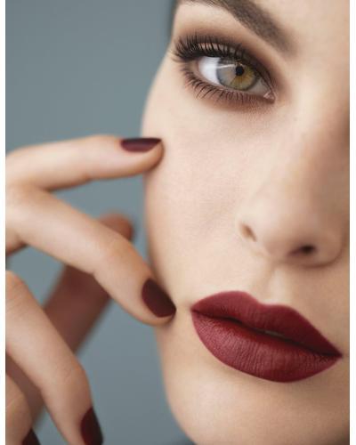 CHANEL Стойкая матовая помада-карандаш для губ Le Rouge Crayon De Couleur Mat. Фото 4