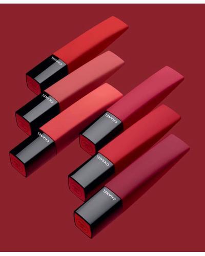 CHANEL Жидкая матовая помада для губ с эффектом пудры Rouge Allure Liquid Powder. Фото 2