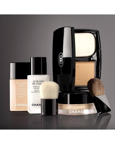 CHANEL Основа, улучшающая цвет лица Le Blanc De Chanel. Фото 4