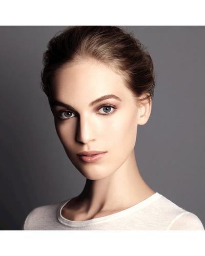 CHANEL Основа, улучшающая цвет лица Le Blanc De Chanel. Фото 3